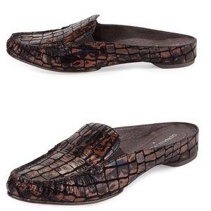 ☄️ Donald J Pliner ✦ Breva Croc Print Mule ✦ Metal